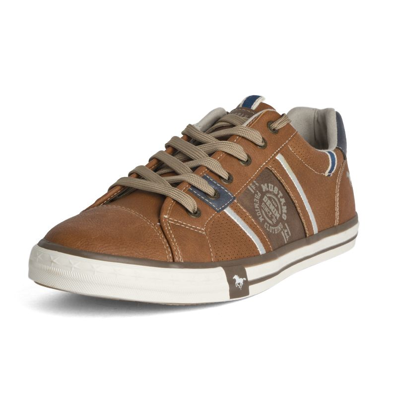 chaussure mustang taille 47
